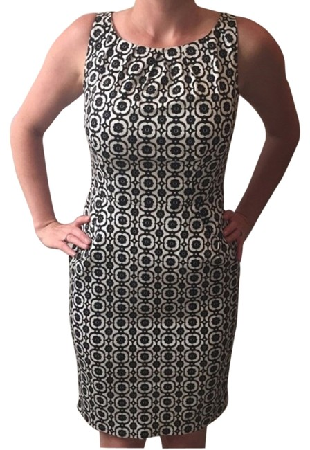 Preload https://img-static.tradesy.com/item/14675896/nine-west-black-and-white-knee-length-workoffice-dress-size-petite-4-s-0-1-650-650.jpg