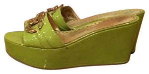 Juicy Couture PEAR GREEN Wedges