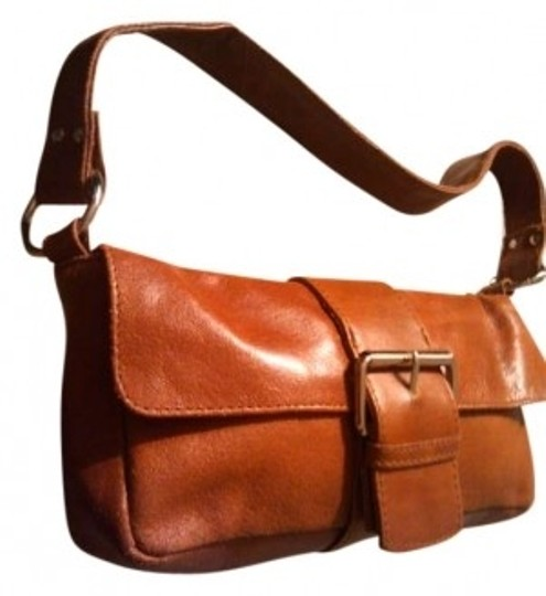 Preload https://item4.tradesy.com/images/wilsons-leather-1980s-vintage-classic-brown-shoulder-bag-146813-0-0.jpg?width=440&height=440