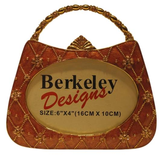 Preload https://item1.tradesy.com/images/other-purse-photo-frame-for-photos-6-x-4-by-berkeley-designs-style-654257-1468945-0-0.jpg?width=440&height=440