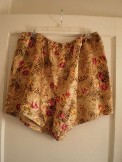 Other Secret Treasures short Floral & Animal Print 2 pc. PJ's (size 2X)