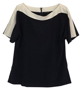 St. John Top Navy blue and white