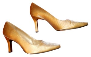 Stuart Weitzman Evening Shoes/ Formal Shoes/ Bridal Shoes/ Prom/ Cruise/ Gold Pumps