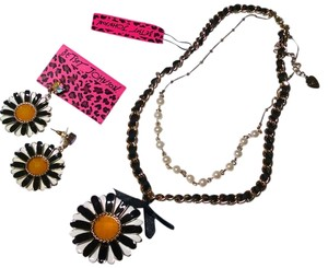 Betsey Johnson Betsey Johnson Necklace Earrings Set 2 piece Black Daisey Double Chain J452