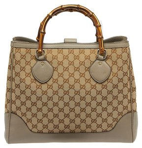 f752c51f361f14 Gucci Leather Canvas Diano Bamboo Tote in Beige & Gray. Gucci Medium Diana  Bamboo Handle ...