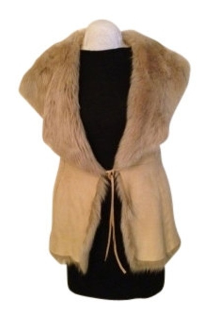 Preload https://item2.tradesy.com/images/dkny-camel-shearling-vest-size-10-m-14696-0-0.jpg?width=400&height=650