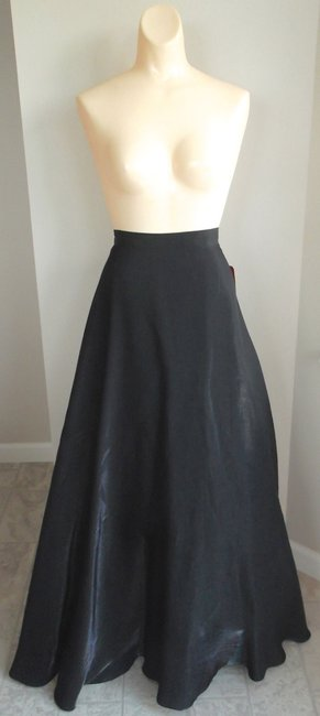 Item - Black Rayon/Polyester Tulle Full Skirt Formal Bridesmaid/Mob Dress Size 20 (Plus 1x)