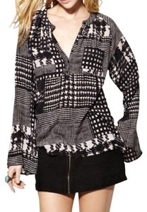 Winter Kate Pattern Houndstooth V-neck Oversized Top Black, White & Grey