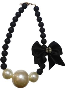 New Chunky Pearl Black & White Necklace Large Bow J2412
