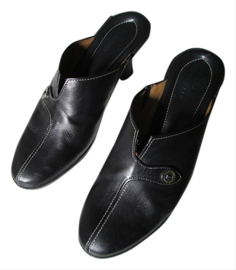 Preload https://item2.tradesy.com/images/cole-haan-black-with-white-top-stitching-leather-mulesslides-size-us-8-regular-m-b-1470391-0-0.jpg?width=440&height=440