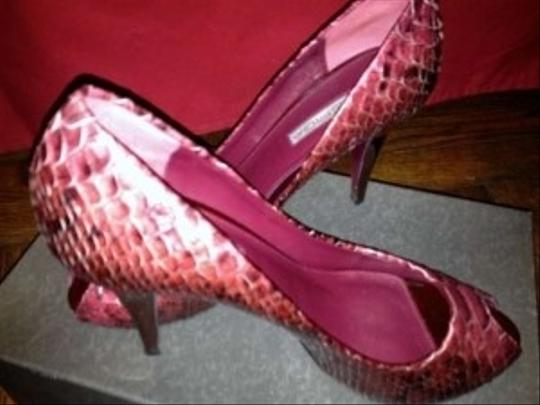 Via Spiga Raspberry Pumps