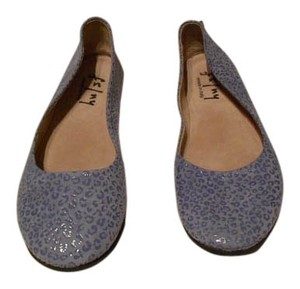 French Sole Sloop Tone On Tone Pattern Wedgewood Leo Flats