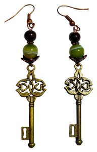 Other New Handmade Antiqued Gold Key Charm Earrings J2419