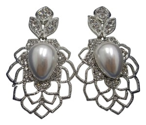 Pearly Delight Fashion Earrings with Free Shipping