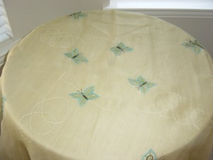 Table Cloth With Butterfly Axn 007