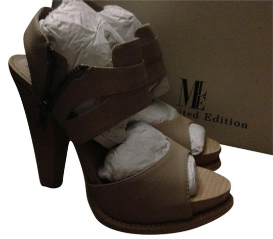 Preload https://item5.tradesy.com/images/mia-shoes-unique-limited-chic-natural-platforms-1471024-0-0.jpg?width=440&height=440