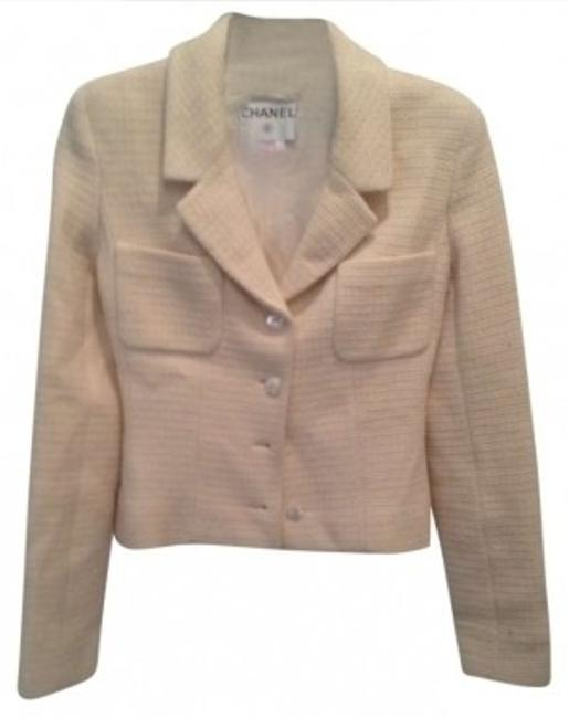 Preload https://img-static.tradesy.com/item/147105/chanel-cream-tweed-blazer-size-2-xs-0-0-650-650.jpg