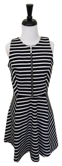 Item - Black and White Striped Sleeveless Mid-length Short Casual Dress Size 6 (S)