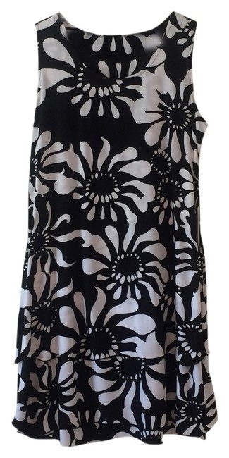 Item - Black and White Tiered Sundress Short Casual Dress Size 8 (M)