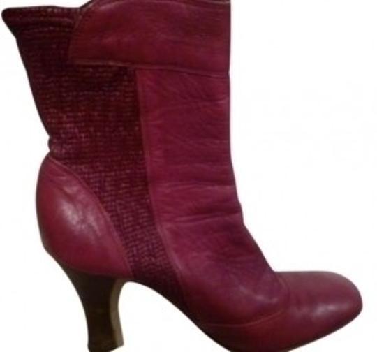 Preload https://img-static.tradesy.com/item/147206/dolce-and-gabbana-redburgundy-d-and-g-berry-cranberry-maroon-bootsbooties-size-us-8-0-0-540-540.jpg