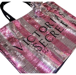 Victorias Secret Limited Edition tote bag with Body Wash package! Tote in Black,pink