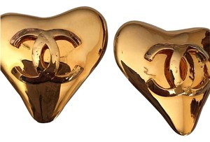 Chanel Vintage Chanel CC Heart Clip on earrings