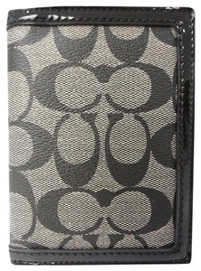 Coach Coach Park Signature Passport Case black White/black F65699 New with tag