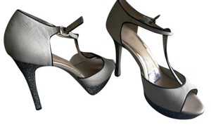 Jessica Simpson Heel Straps Open Toe Summer cream and black Pumps