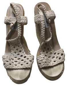 Steve Madden Tan Sandals