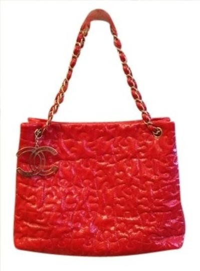 Preload https://item5.tradesy.com/images/chanel-puzzle-with-authentication-card-and-duster-red-patent-leather-shoulder-bag-147344-0-0.jpg?width=440&height=440