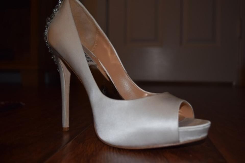 Badgley Mischka Satin White Pumps Kiara 8348745 Sku a6qaxCUrAw