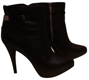 MICHAEL Michael Kors Black w silver side zipper Boots