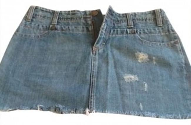 Preload https://item4.tradesy.com/images/american-eagle-outfitters-blue-denim-miniskirt-size-4-s-27-147383-0-0.jpg?width=400&height=650