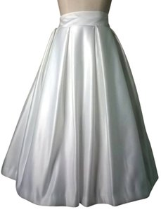 Lisa Nieves Bridal Pleated Formal Highwaist Wedding Skirt white