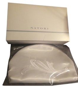 Natori Makeup Cosmetic Avon White Clutch