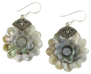 Island Silversmith Island Silversmith Mother of Pearl 925 Sterling Silver Flower Earrings 0701Z *FREE SHIPPING*