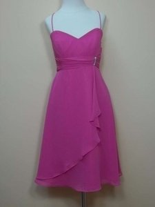 Alfred Angelo Fuchsia Chiffon 7045 Formal Bridesmaid/Mob Dress Size 6 (S)
