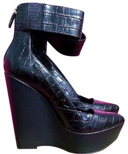 BCBGMAXAZRIA Gator Bold Leather Imported Cuff Black Wedges
