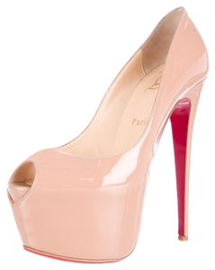 Christian Louboutin Highness Peep Toe Beige Pumps