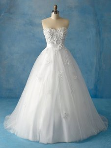 Alfred Angelo 207 Wedding Dress