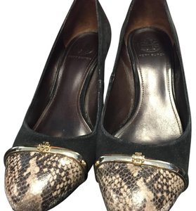 Tory Burch Black suede with snake print toe Pumps