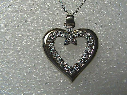Preload https://img-static.tradesy.com/item/1475154/sterling-silver-and-cz-heart-necklace-0-0-540-540.jpg