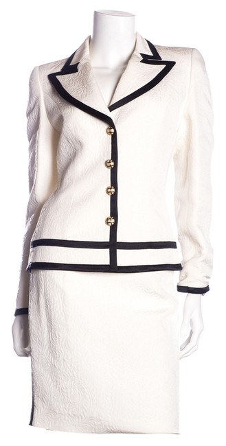 Item - Cream & Black 2 Pc Blazer + Skirt Suit Size 0 (XS)