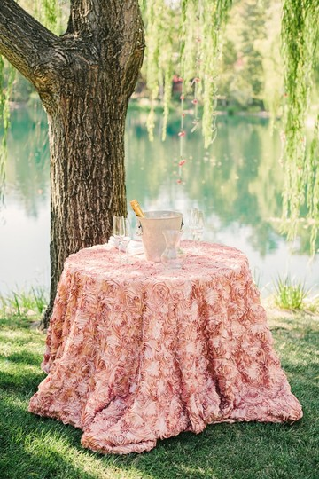Blush New 132 Quot Round Rosette Cake Overlay Table Runner