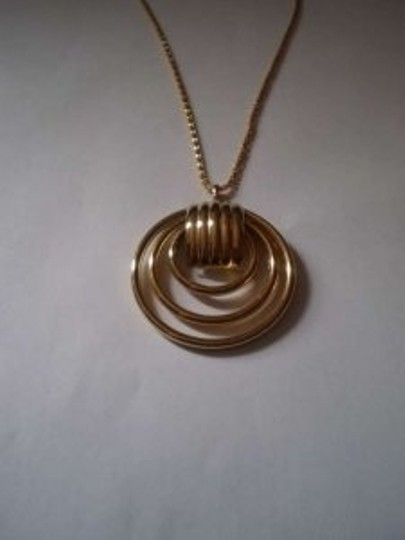 Unknown Goldtone circle necklace