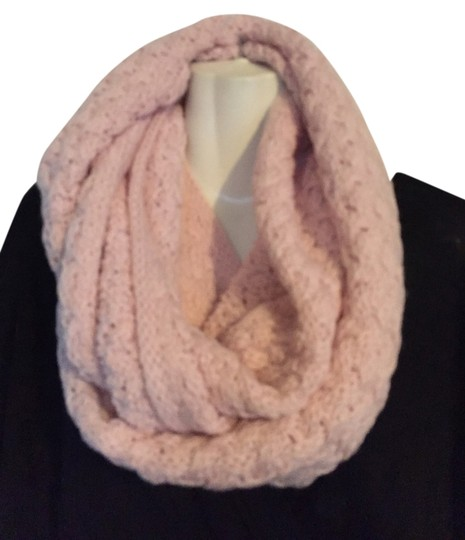 Preload https://img-static.tradesy.com/item/1475712/new-york-and-company-pink-infinity-scarfwrap-0-0-540-540.jpg
