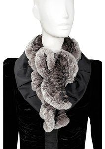 Linda Richards Rex Rabbit Pull Through Ruffle Scarf