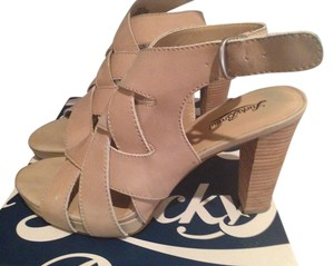Lucky Brand Nude Sandals