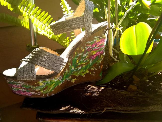 1 Madison Silver Gray Hand Painted Collection Wooden Straps Sandal Wedges Size US 8 Regular (M, B) 1 Madison Silver Gray Hand Painted Collection Wooden Straps Sandal Wedges Size US 8 Regular (M, B) Image 2