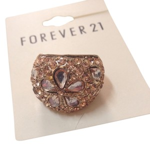 Forever 21 Cocktail Ring Size 6.25